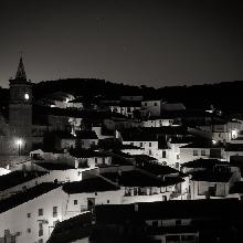 Vista nocturna Valdelarco desde el Risco